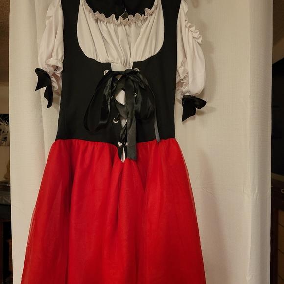 Woman's Halloween Costume